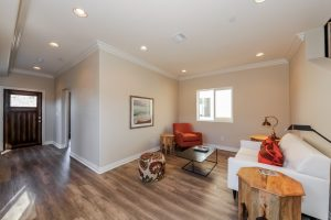 012-living_room-1569796-mls