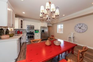 014-kitchen-1569791-mls