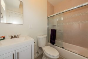 026-master_bathroom-1569807-mls