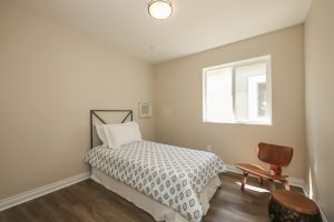 027-bedroom-1571009-mls